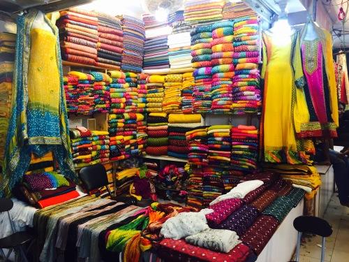 Chunri Dupattas, Gulf Bazaar