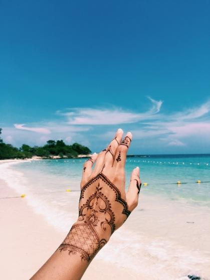 Hengua (Henna + Jagua) hands by Sara's Henna.