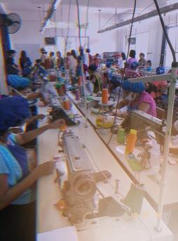 selyn, selyn sri lanka, fair trade, female empowerment, community, apparel manufacturing, handloom production