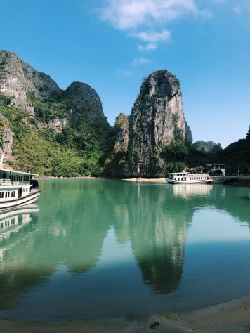 halong bay, tour, travel, explore, vietnam, hanoi, limestone, cruise