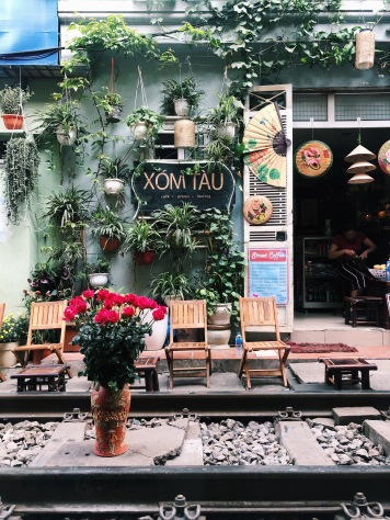hanoi, vietnam, solotravel, train street