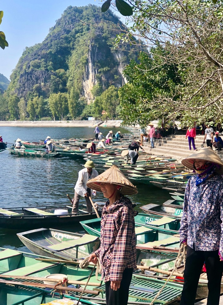 ninhbinh_vietnam_women