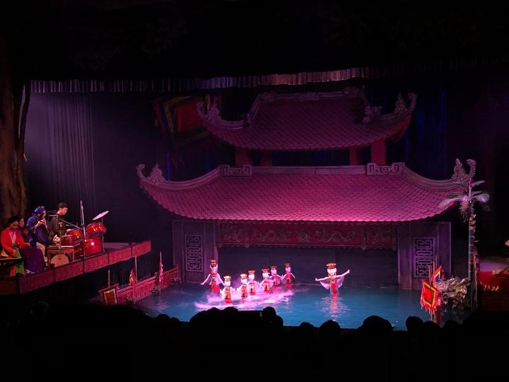 water_puppet_show_hanoi