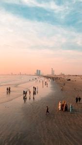 seaview, karachi, sunset, explore pakistan, travel blogger