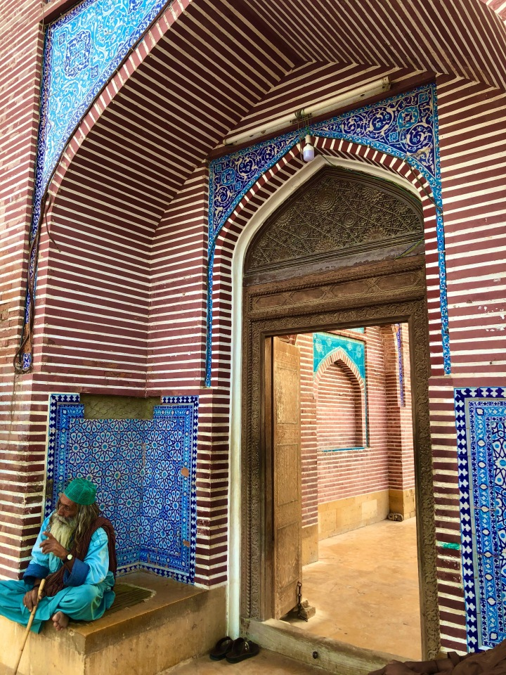 shah jahan mosque, thatta, sindh, pakistan, explore pakistan, travel to pakistan, islamic architecture, south-asian mosques